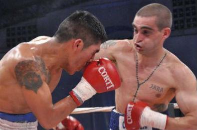 Matías Rueda noqueó en una pelea breve y explosiva.